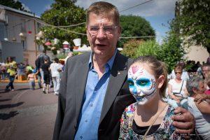 Le Maire de Savigny, Eric Mehlorn, à la dernière édition de la Grand Rue est vers l'Art en 2014